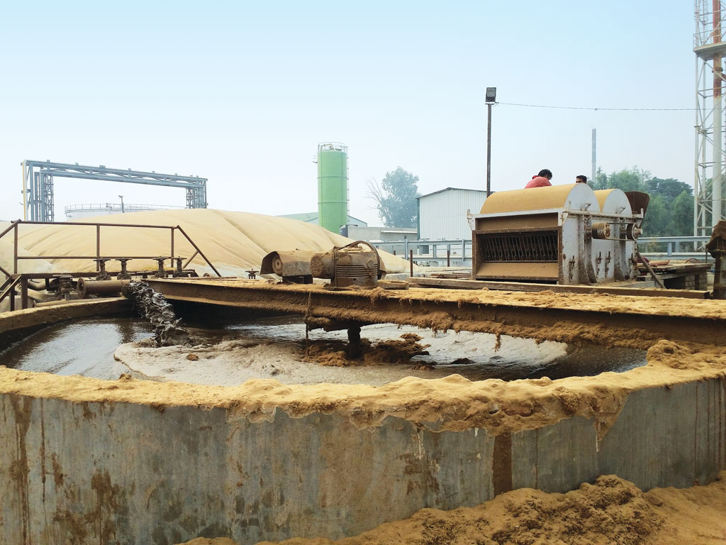 Sampurn Agri Ventures converts water-logged fields into shrimp farms and uses the water enriched with shrimp excreta for composting paddy straw at its biogas plant in Muktsar (Photo: Aruna K)