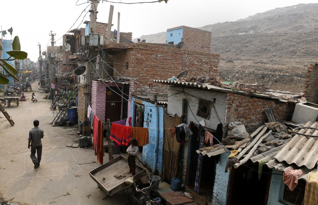 The report observes that poverty is becoming more entrenched in countries that are either conflict-ridden or overly dependent on commodity exports (Photo: Vikas Choudhary)