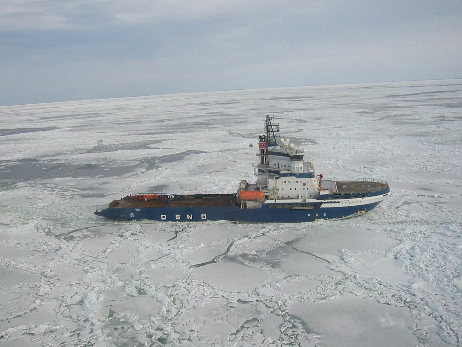 Shell's Arctic drilling support ship heads back to dock