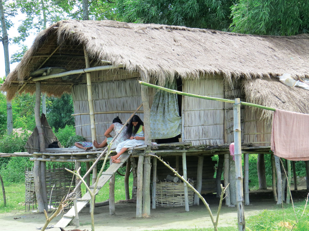 The Mishing community lives