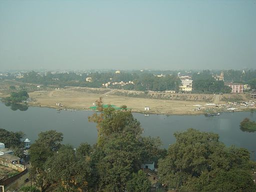 The flow of the Gomti has reduced by 35 to 40 per cent over the years (Photo courtesy: Sayed Mohammad Faiz Haider, CC BY-SA 3.0 from Wikimedia Commons)