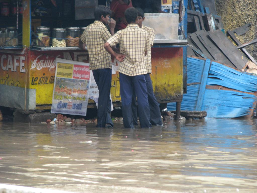 Safe drinking water and food are not available in the flood-hit Chennai. Credit: McKay Savage/Flickr