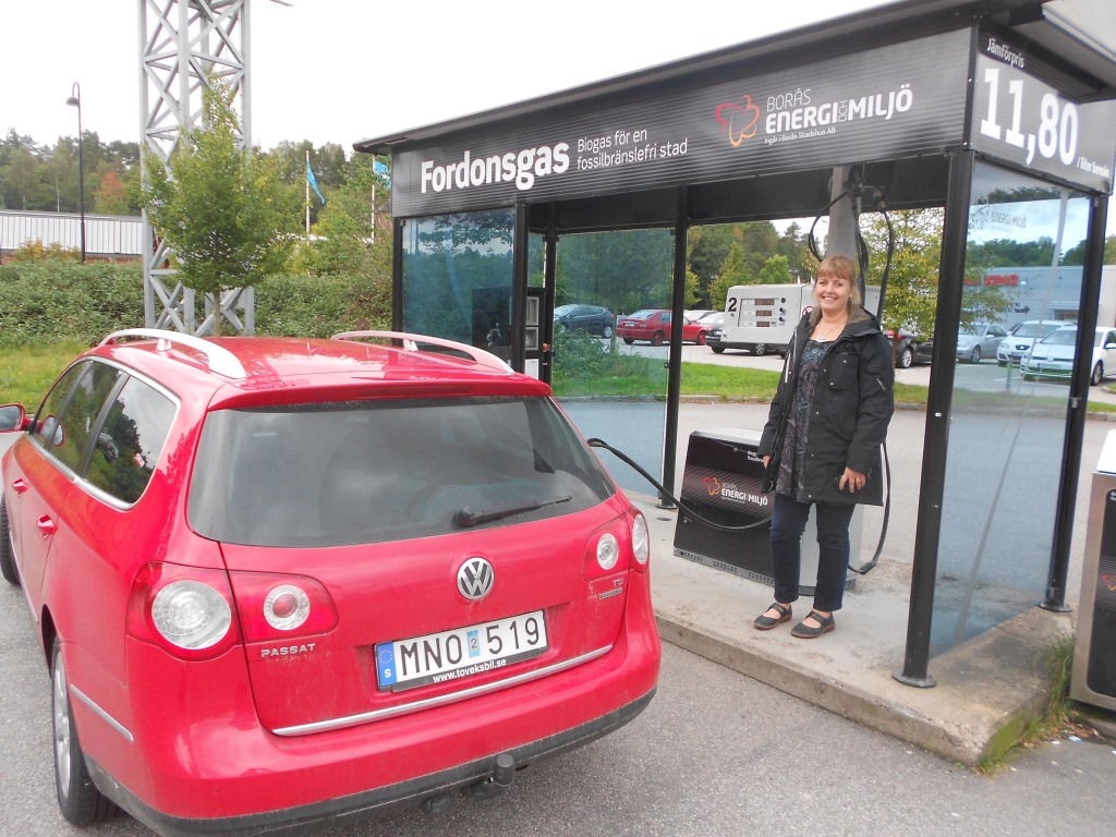 Anita Petterson refuels her car at a municipal biogas station in Borås (Photos: Emmanuel D'Silva)
