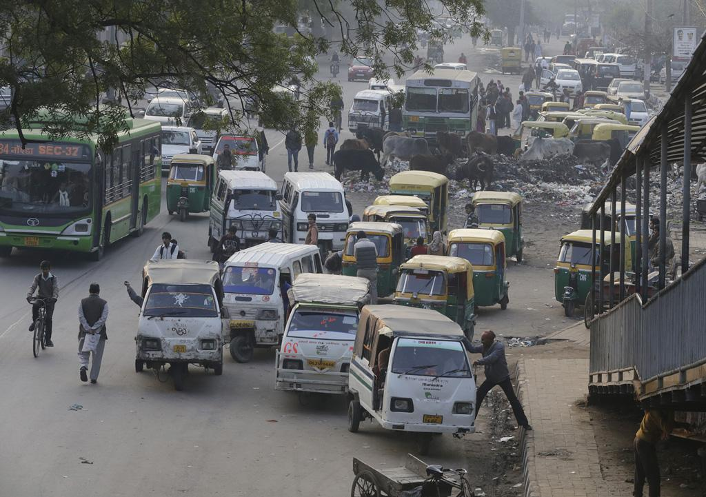 Despite the Metro, last mile connectivity continues to be a problem. Issues plague the proper management of auto rickshaws, shared autos, cycle rickshaws and e-rickshaws