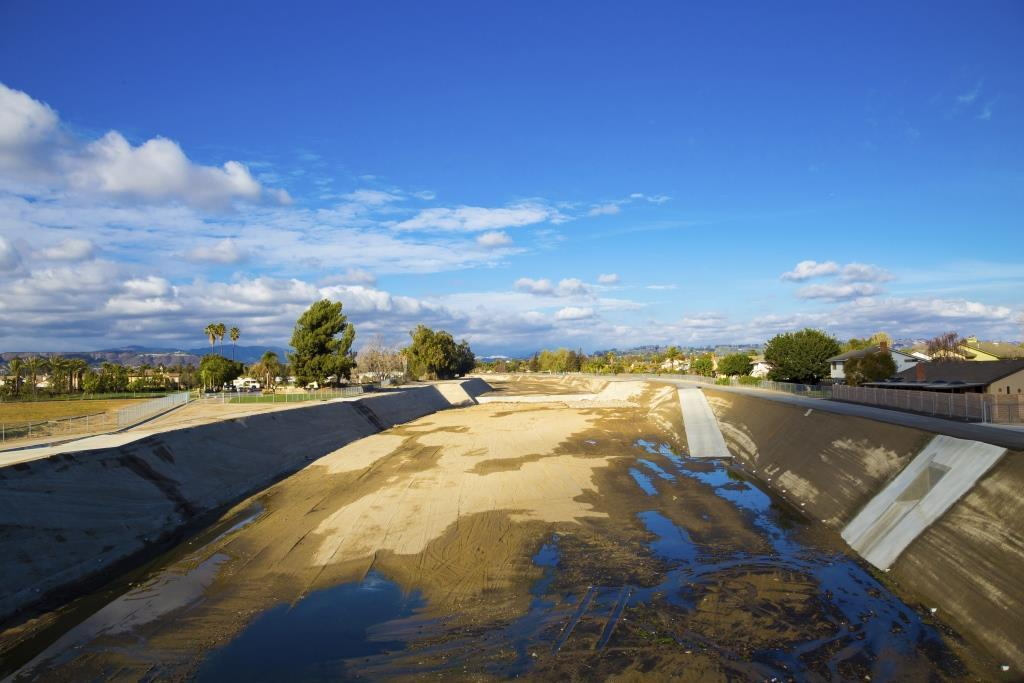A dried river in southern California (Photo: Thinkstock)