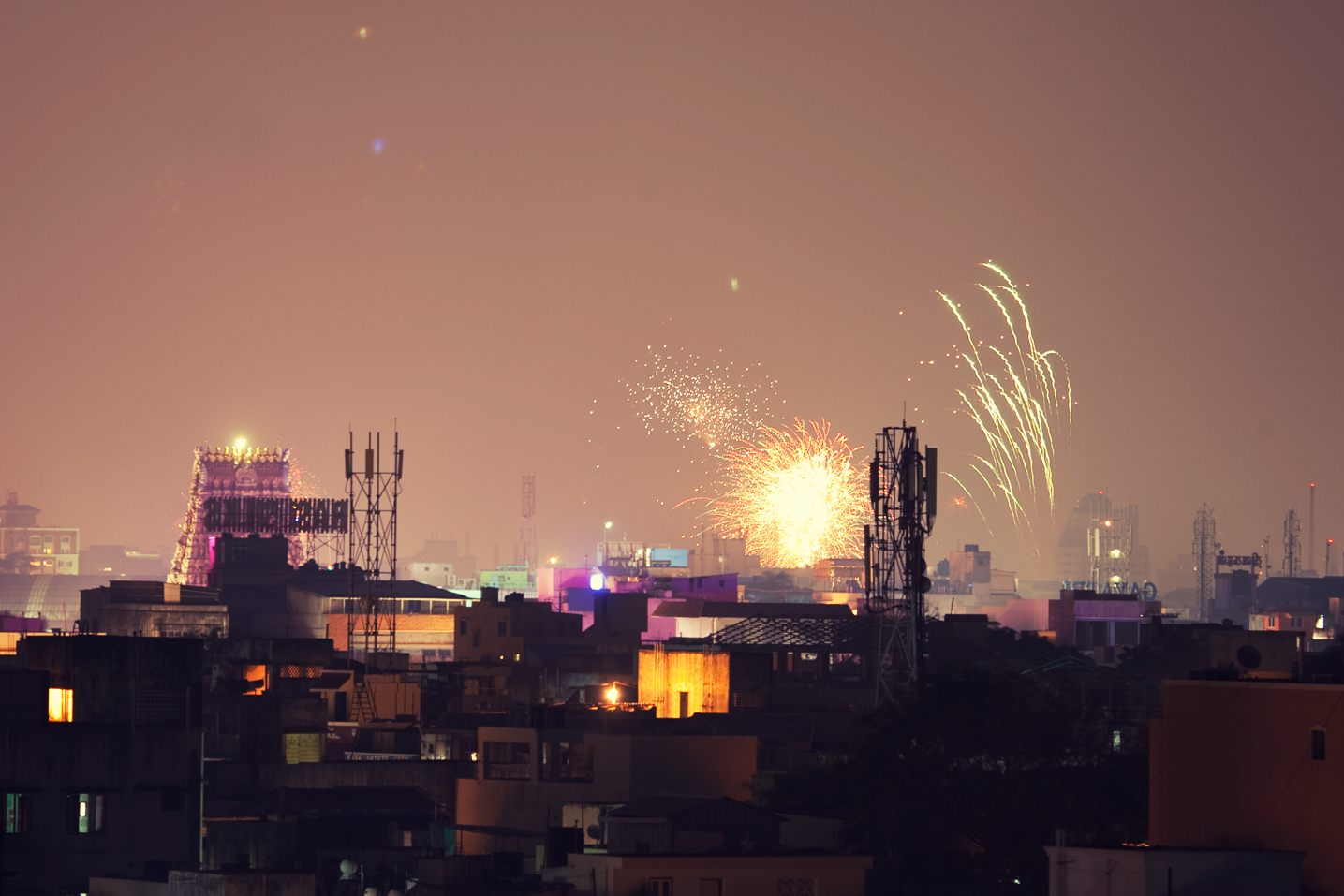 Union, Delhi governments urge residents to observe 'cracker-free' Diwali