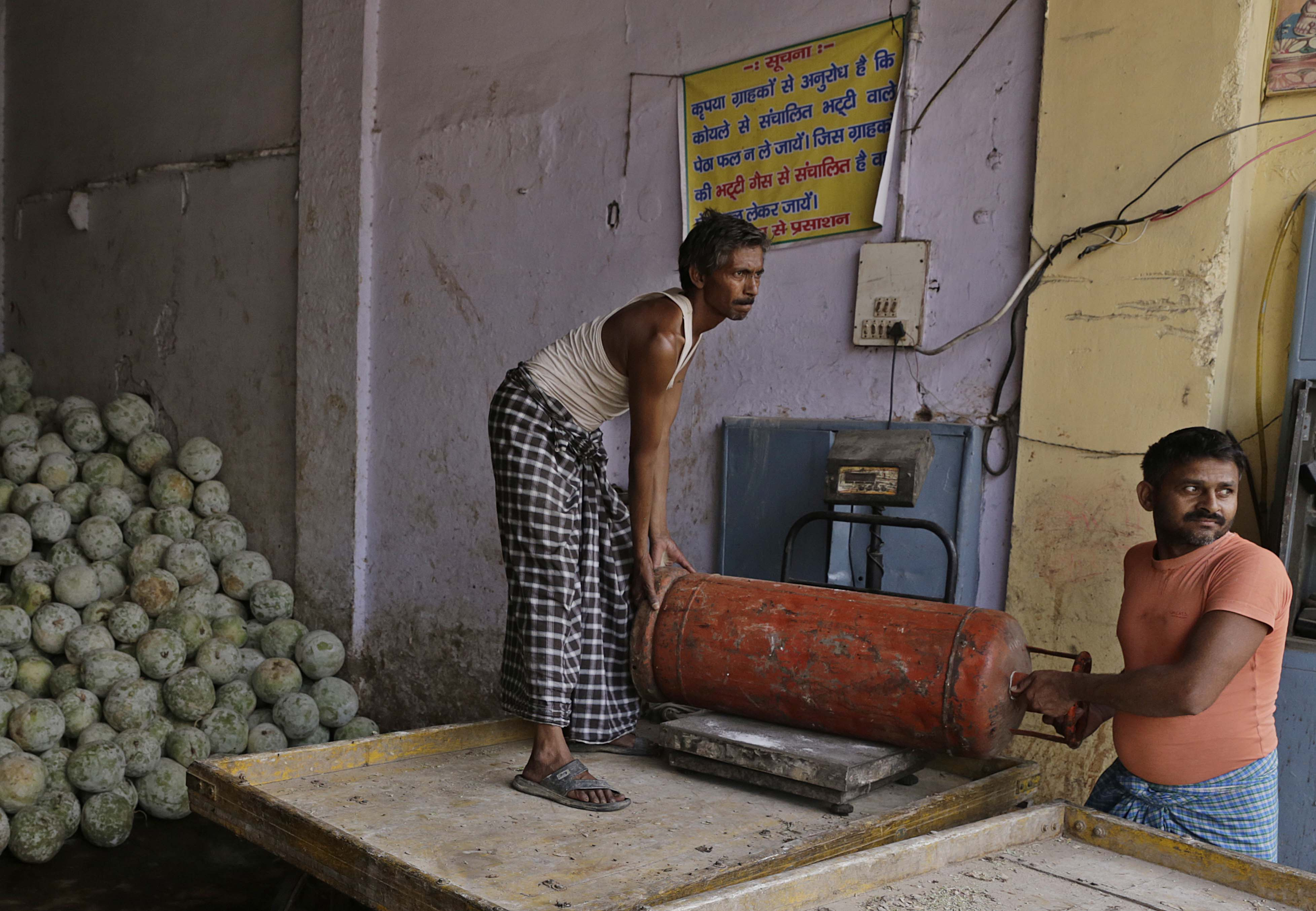 """Many manufacturers have applied for LPG connections, only to be told that processing a connection will take eight months. """"How can we stop work for so long? We'll lose all trained workers,"""" says Shanu Yadav of Noori Darwaza Petha Union"""