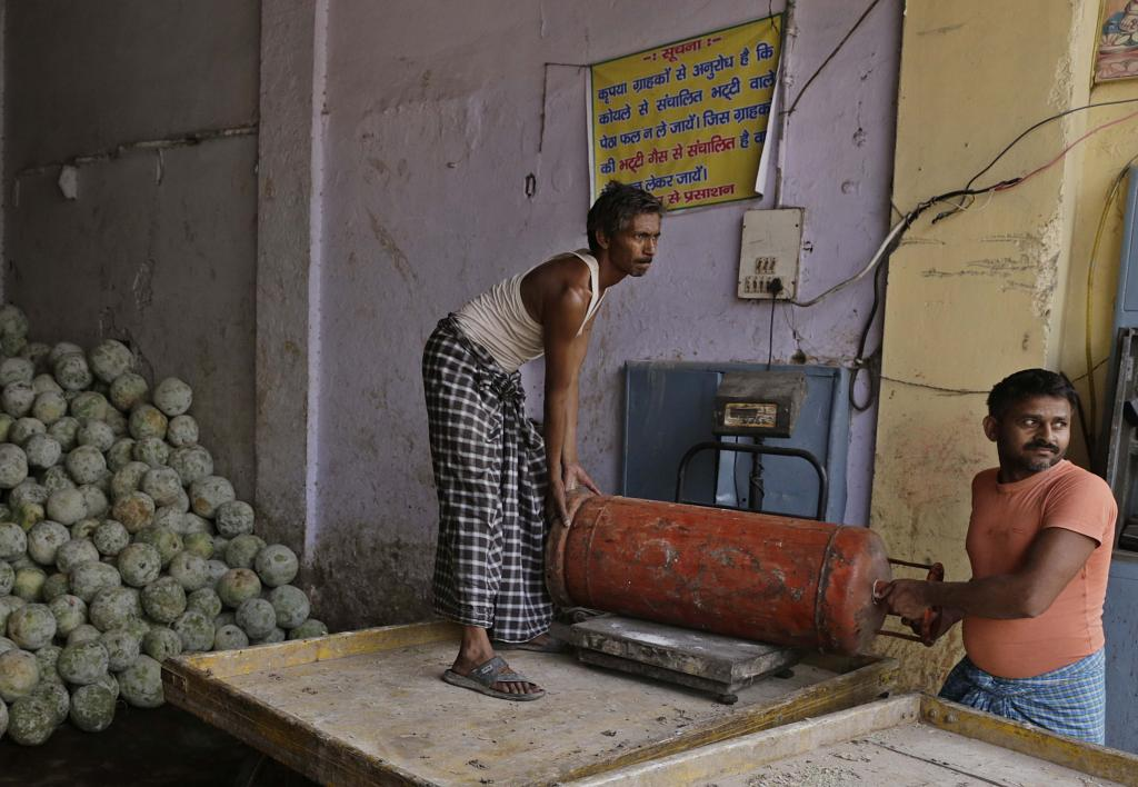 "Many manufacturers have applied for LPG connections, only to be told that processing a connection will take eight months. ""How can we stop work for so long? We'll lose all trained workers,"" says Shanu Yadav of Noori Darwaza Petha Union"