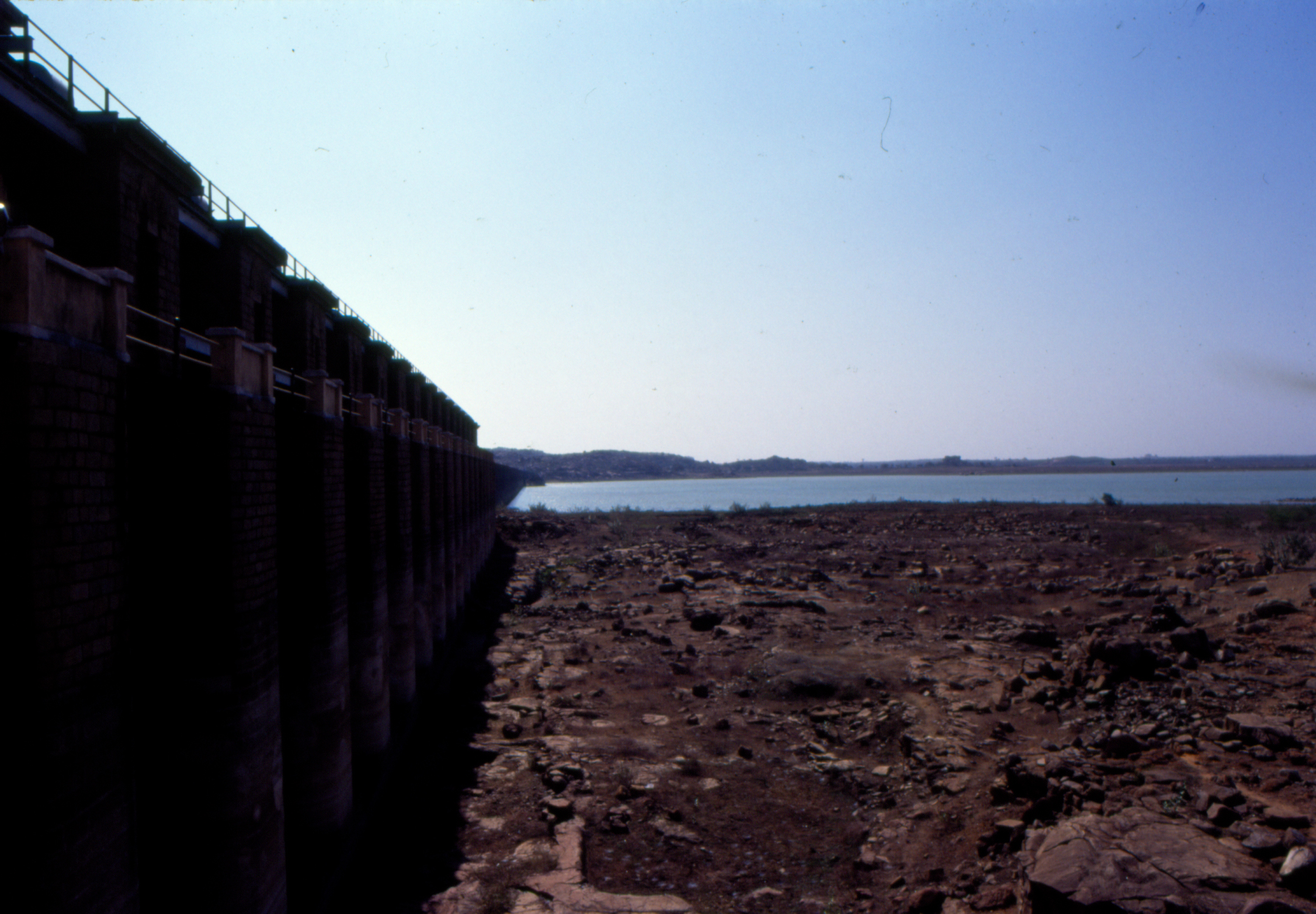 Storage level in major reservoirs sees a further dip