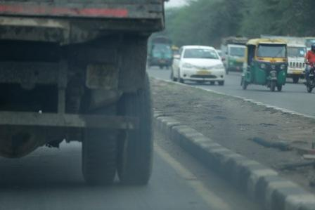 Toll contractor refuses to levy 'green tax' on trucks in Delhi