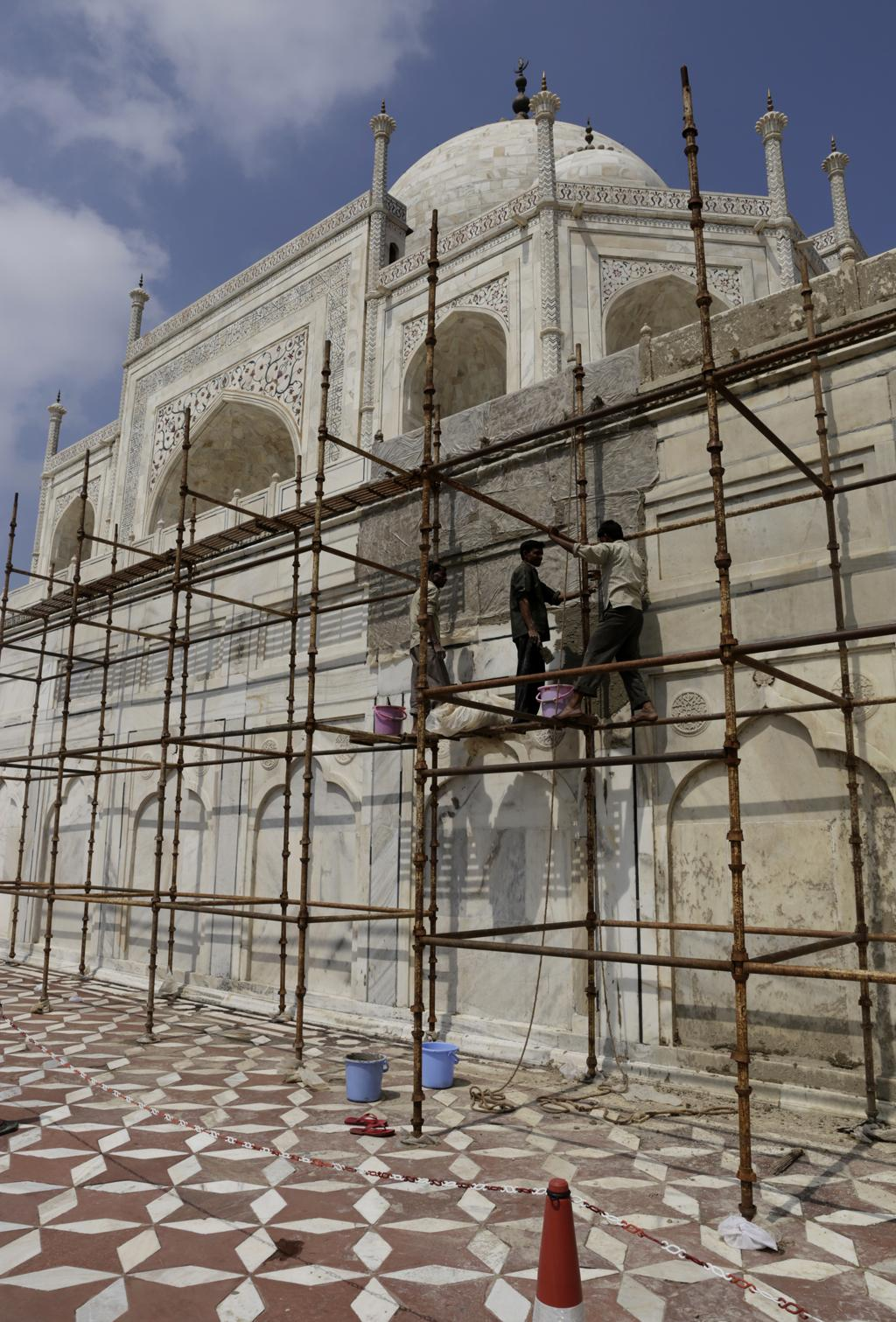 Another threat to the Taj is the yellowing of the marble. To tackle this, the authorities apply a mudpack to the building at regular intervals (once in every 2-3 years)
