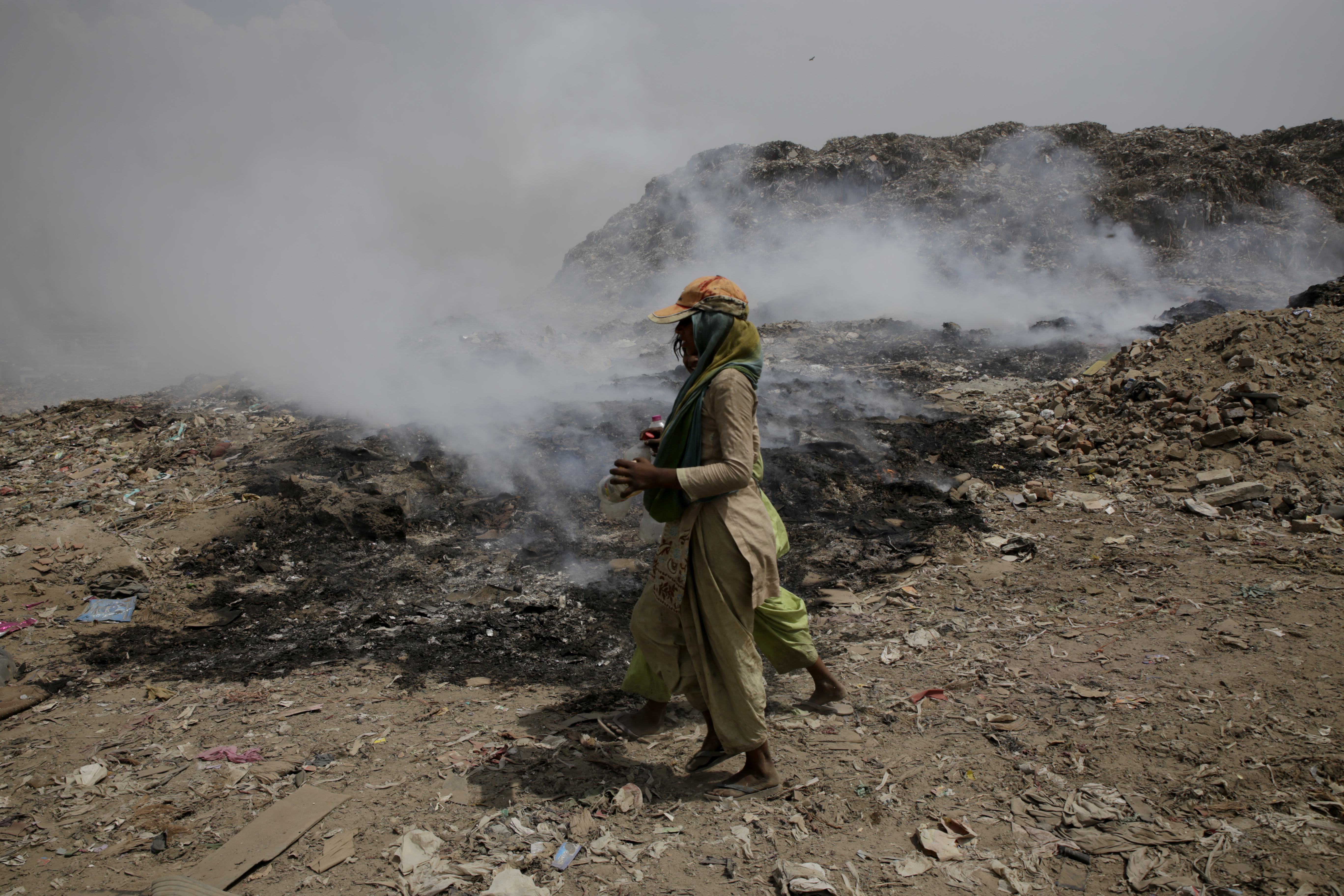 Ragpickers continue their work in Bhalswa despite the fire